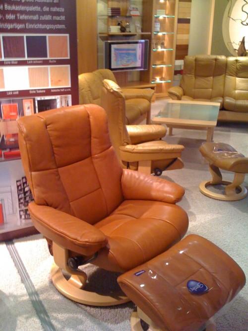zu gast in der ed hardy h lle kessel tv. Black Bedroom Furniture Sets. Home Design Ideas