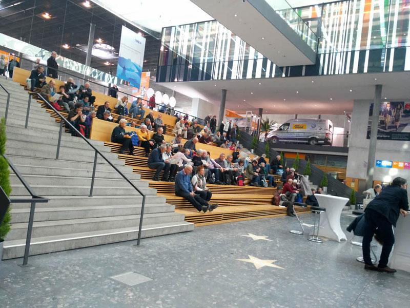 ...aber das Publikum wartet gespannt auf das Set von Sven Väth.