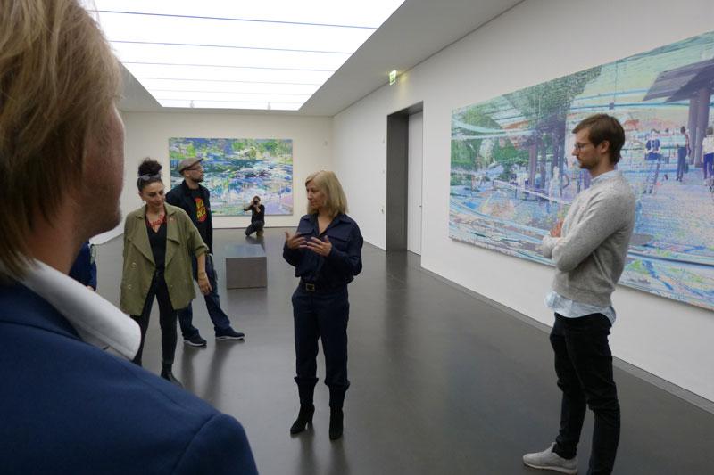 Die aktuelle Ausstellung, 1. Stock: KM-Direktorin Ulrike Groos spricht über die Visual Künstlerin Corinne Wasmuht