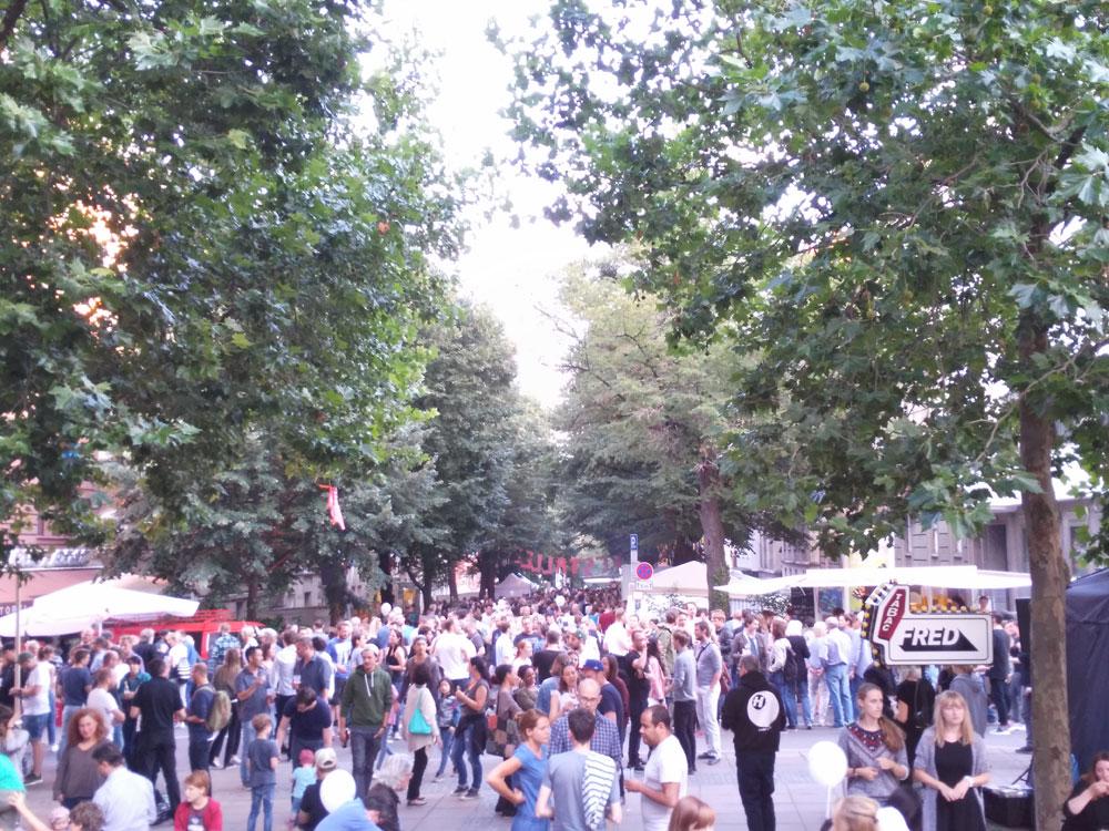 Donnerstags nur in der Johannesstraße, Blick vom Lerchenplatz...