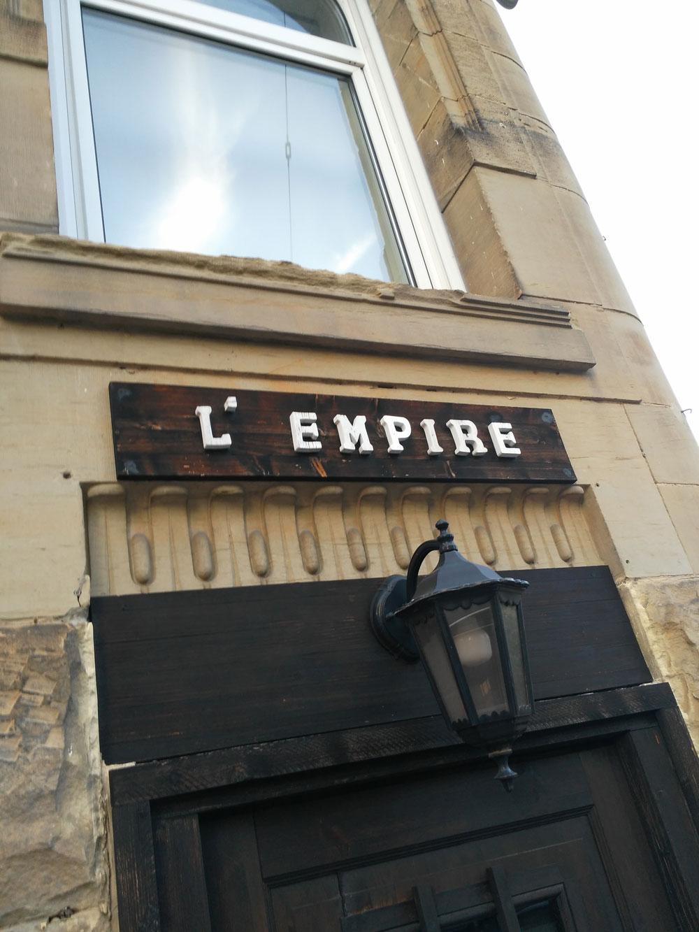 Beim Walk kam in unserer Chat-Gruppe die Frage auf, was ist eigentlich das L'Empire? Swinger? Gay? SM?