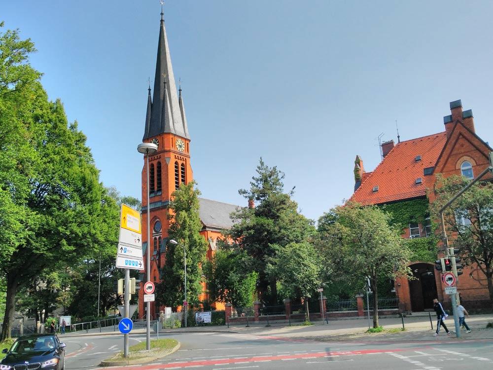 Rosenheim. Das Rathaus ist links davon, mein Bild ist nix geworden. Ist in der Serie