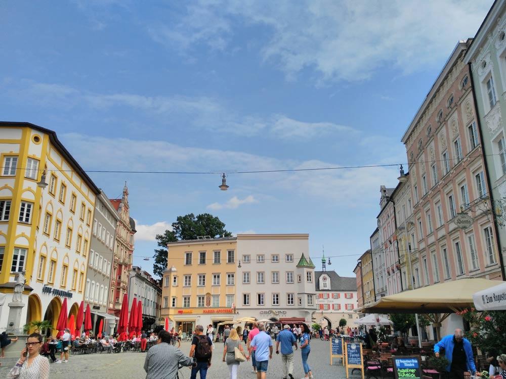 Ui, jetzt aber! 10 Plätze in Stuttgart, die nicht wie Stuttgart aussehen, Platz 10: Rosenheim, Max-Josef-Platz.