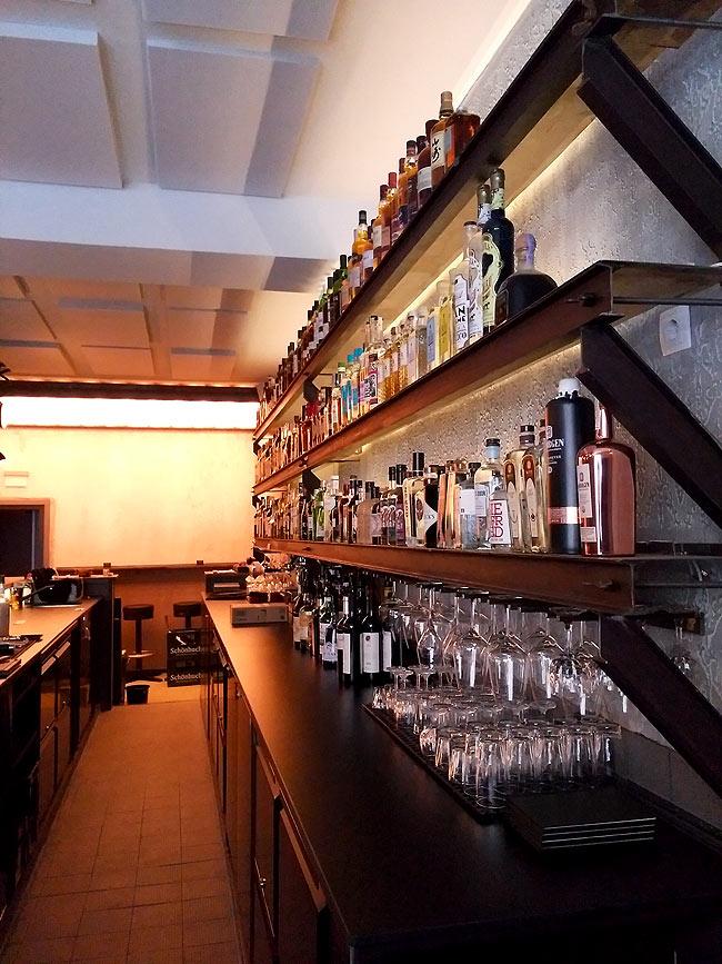 Die Bar bietet alles was Dawit