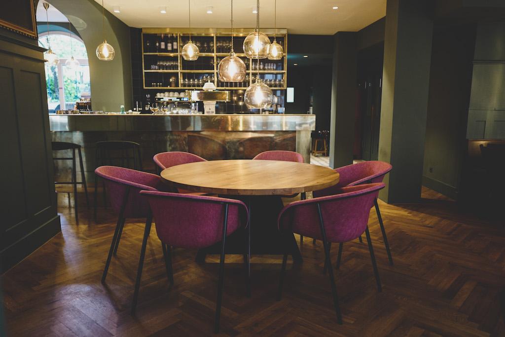 neu im bohnenviertel restaurant kaiser und schmarrn kessel tv. Black Bedroom Furniture Sets. Home Design Ideas