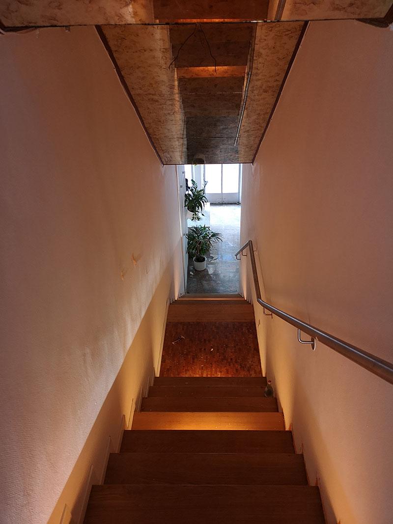 Treppe zum zweiten Stockwerk, das erst später in Betrieb genommen wird...