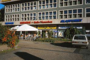 Radio Bar(th Gebäude) 1997