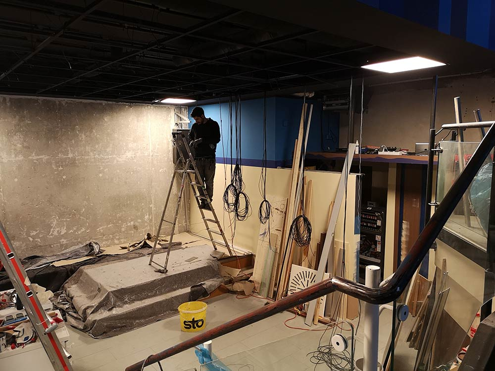 Umbau läuft noch, Rolo am Light.