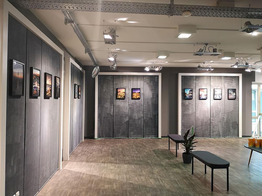 Die erste Hauptausstellung liefert Pierre Polak, Titel UN:REALITY
