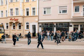 Raupe Immersatt in West – erstes Foodsharing Café in Deutschland