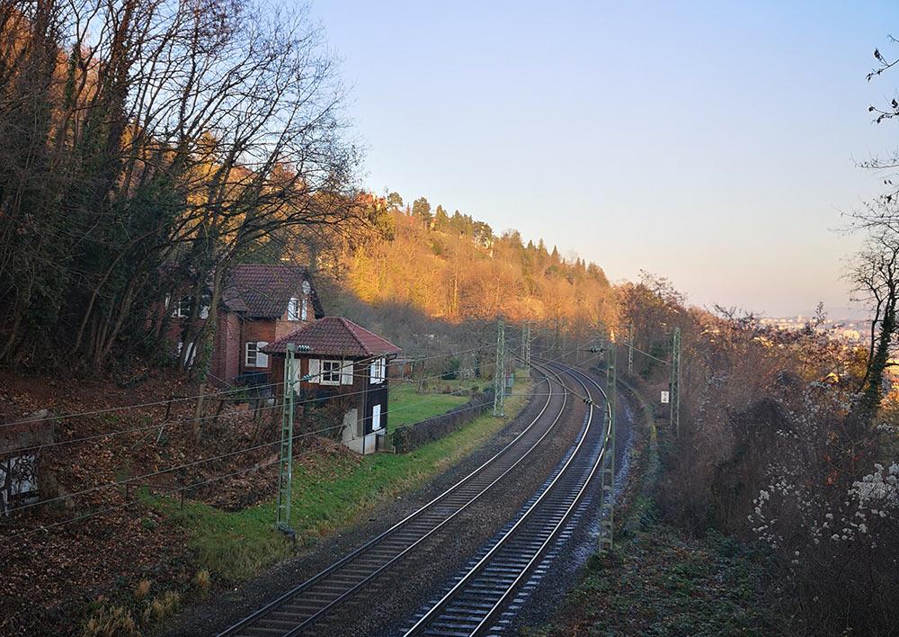 Mythos alter Heslacher Bahnhof.
