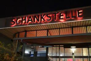 Back mit Drinks & Burgern: Schankstelle öffnet wieder