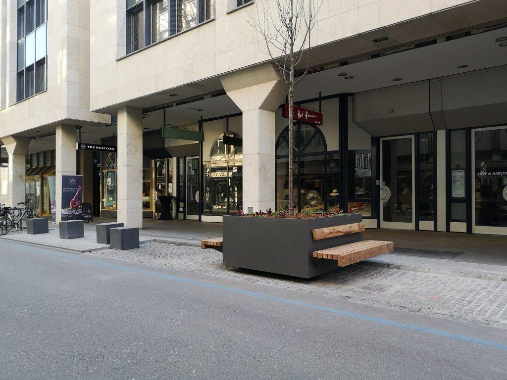 Neue Bank in der Eberhardstraße