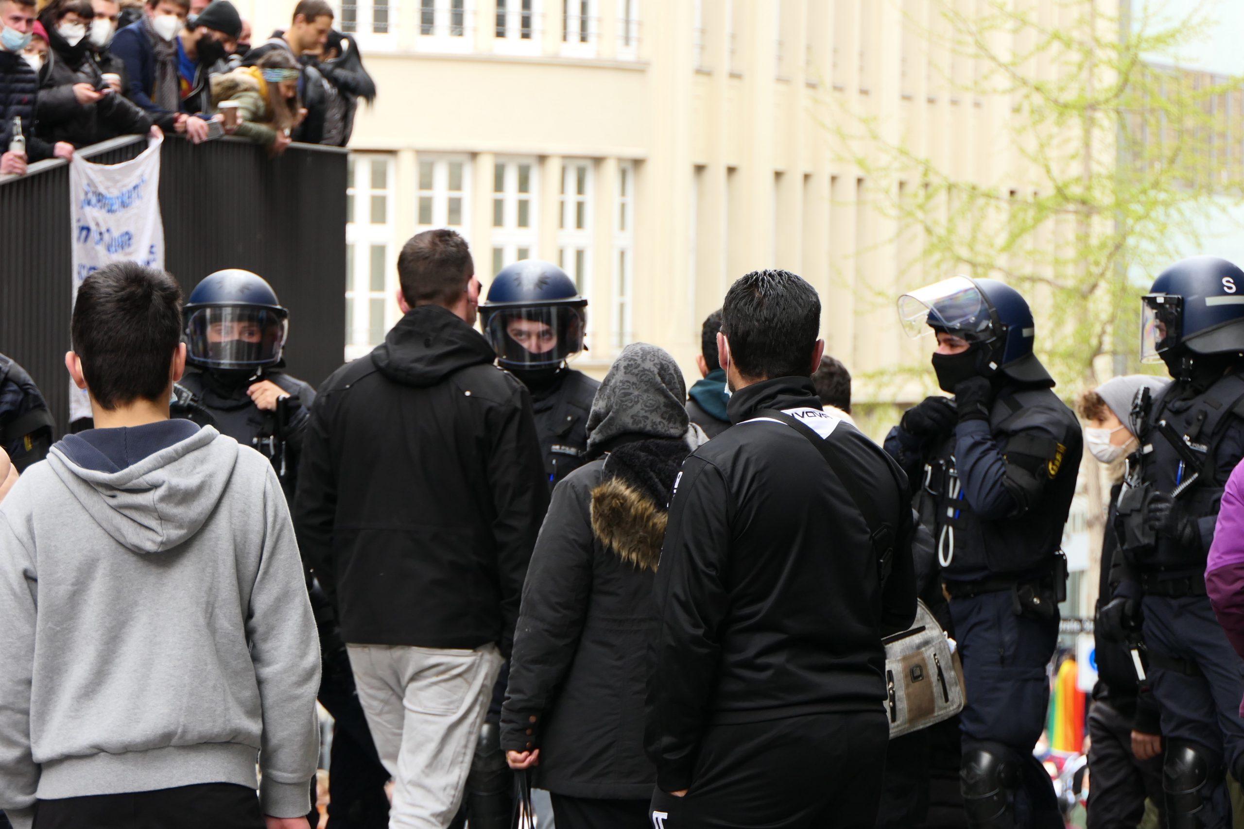 polizei_querdenker_antifa_stuttgart-april-2021